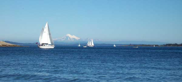 sailboats-and-mt-baker