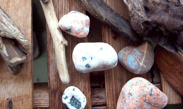 driftwood-and-stones