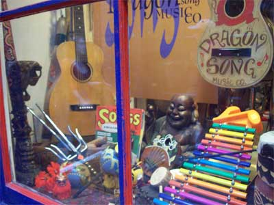 Fan Tan Alley,  Victoria BC, photo summerhouseart.com
