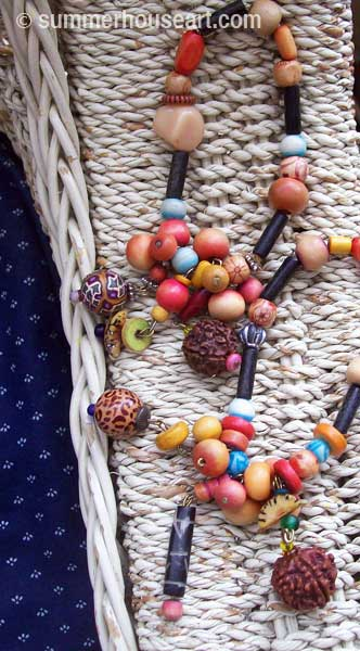 beads-on-chairwm