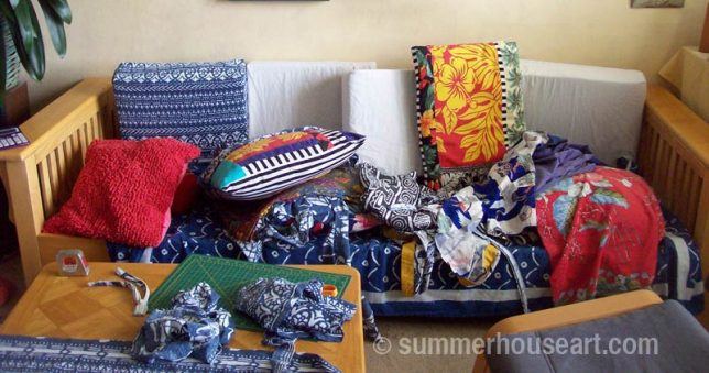 Fabric chaos, deciding on fabrics for new pillows, summerhouseart.com